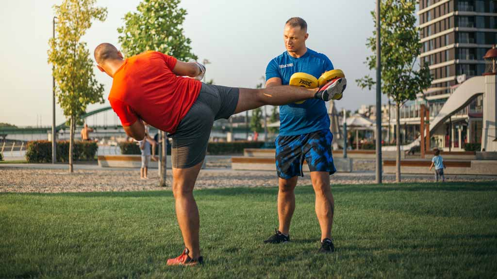 Head Personal Trainer Milos During Training With a Client in Dubai